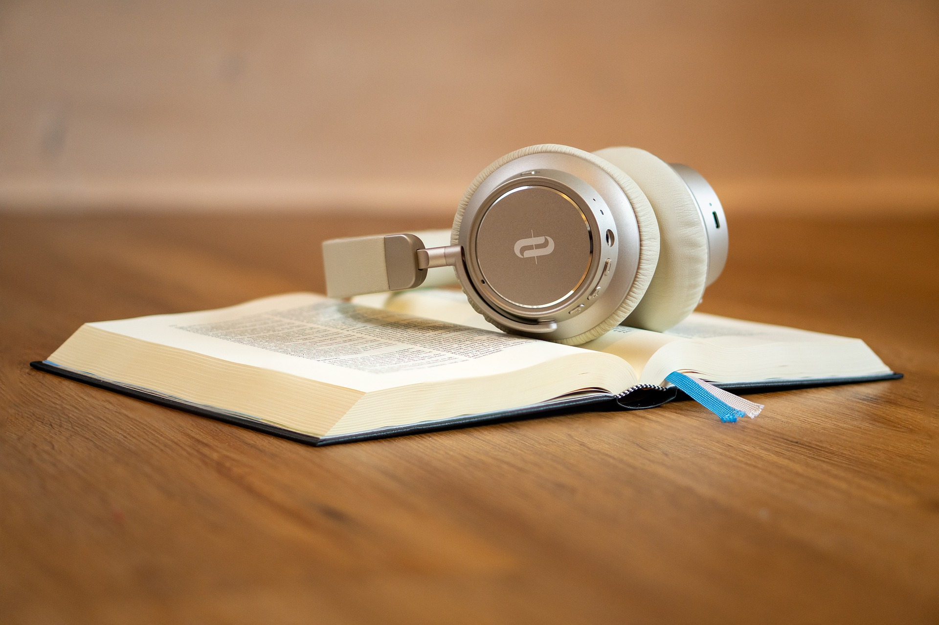 listening to music while reading